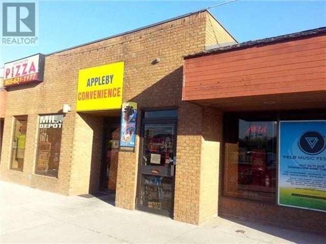 4490 FAIRVIEW Street Burlington Ontario L5L 5P9 17694345